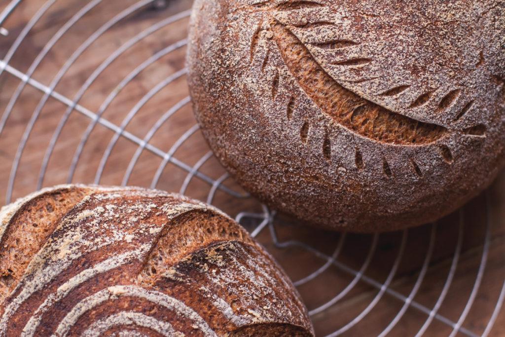 Pains au levain, biologiques et naturellement sans gluten